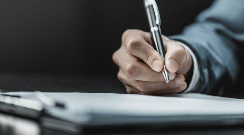 Como tirar mancha de caneta: veja passo a passo e dicas essenciais