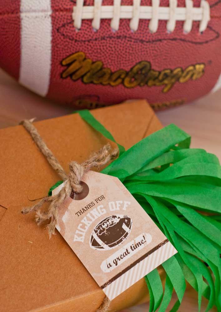 E o que acha de oferecer uma lembrancinha de agradecimento para os amigos que vieram assistir ao Super Bowl?