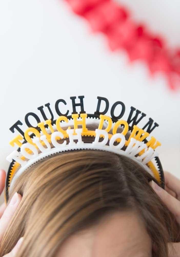 Que tal tiaras de cabelo com a frase símbolo do futebol americano?