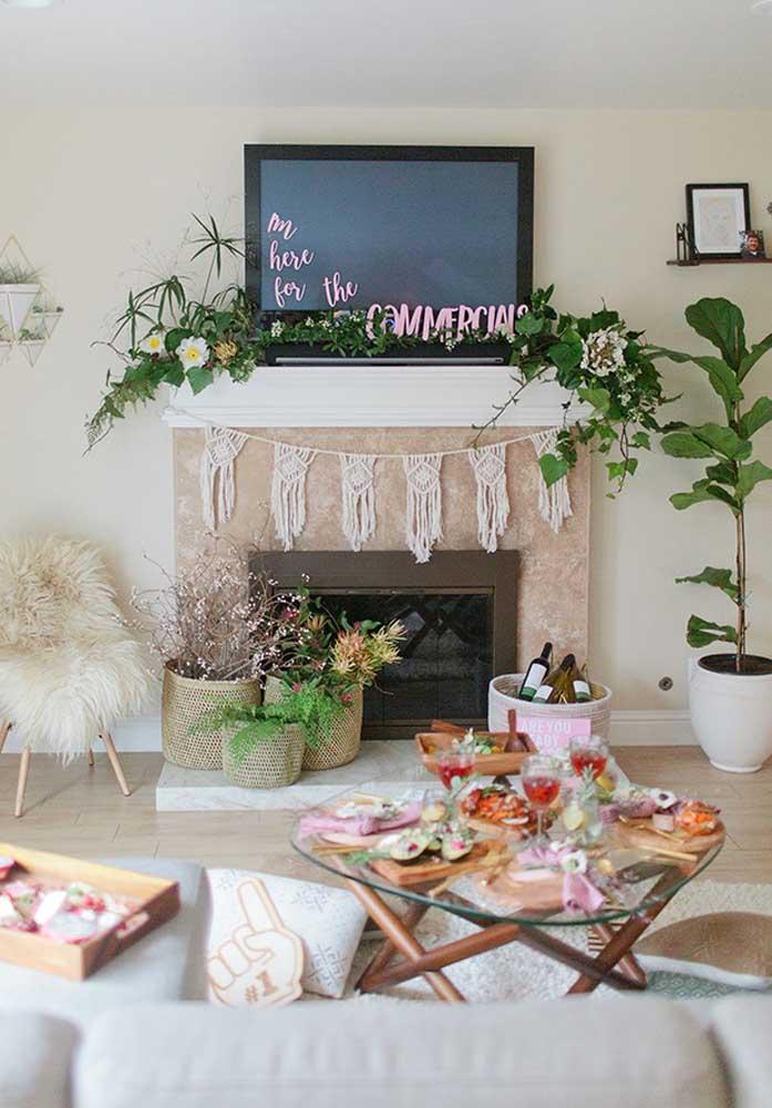 Sala de estar decorada para a festa Super Bowl, o melhor lugar da casa para receber o evento