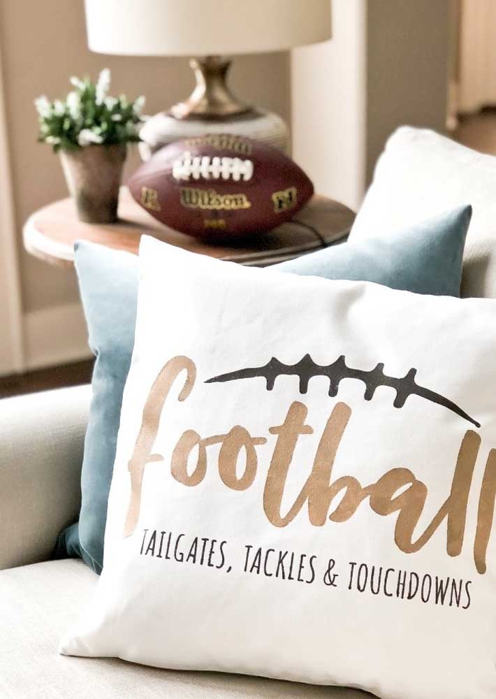 Aqui, até as almofadas entrarão no clima da festa Super Bowl