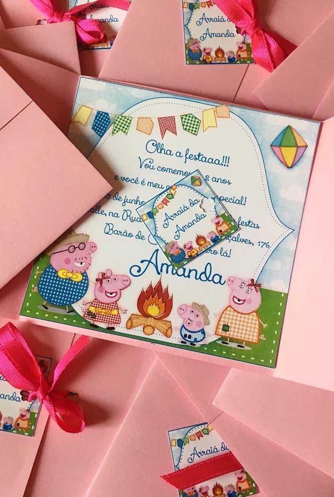 Convite de festa junina com um mix de tema: Peppa Pig e arraiá