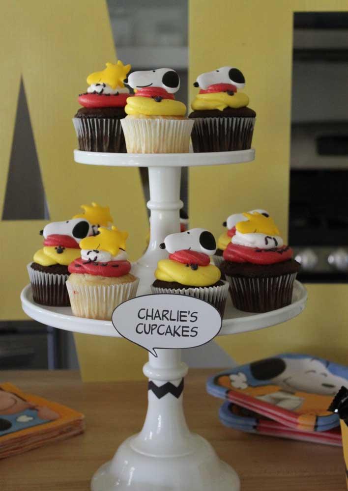 Quem resiste a um cupcake? Ainda mais quando ele vem assim todo personalizado
