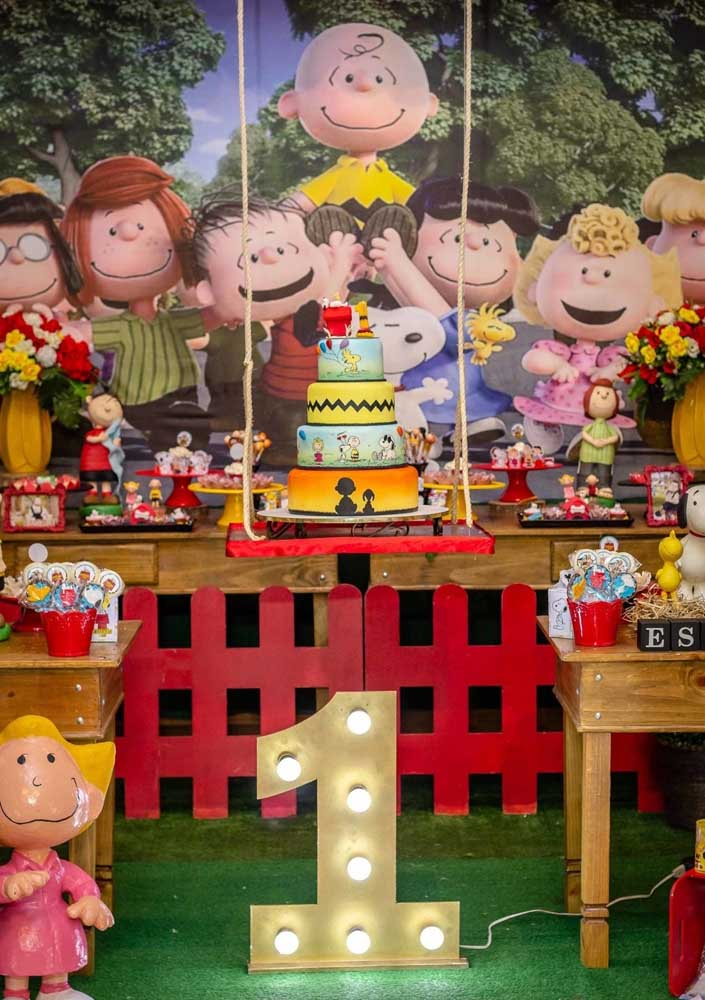 Festinha de 1 ano com o tema Snoopy. A turma toda está presente!