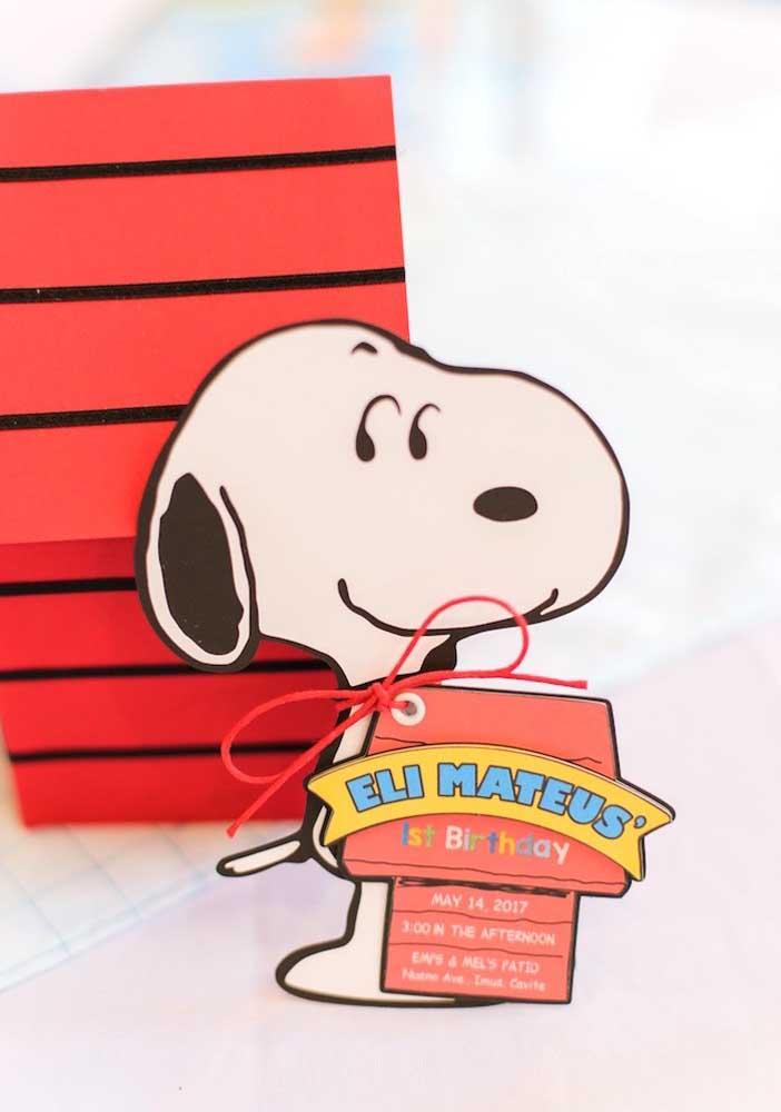 Convite para festa Snoopy entregue em mãos