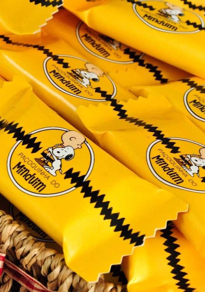 Festa do Snoopy com lembrancinha de paçoca