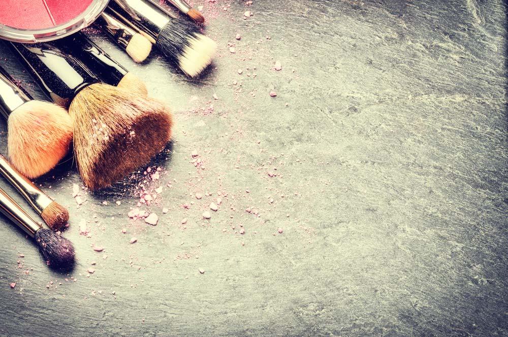 Como organizar maquiagem: veja os primeiros passos