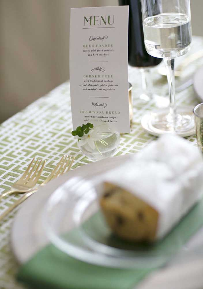 E não se esqueça de oferecer um menu detalhado do que será servido no jantar