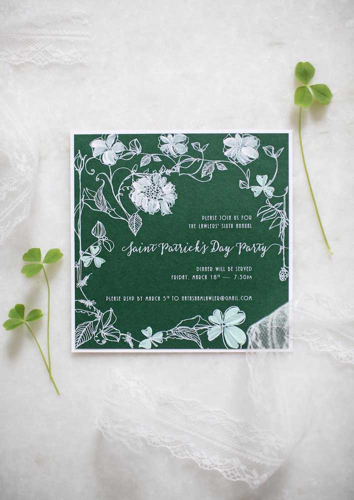 Convite para a festa de São Patrício. O tom de verde escuro garante um toque de elegância ao evento