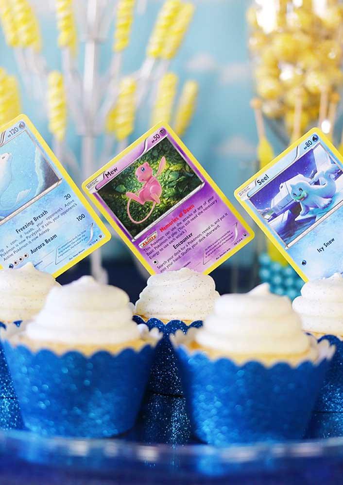 Já sabe o que vai colocar no topo do cupcake? Esses cartões personalizados podem ser uma ótima ideia.