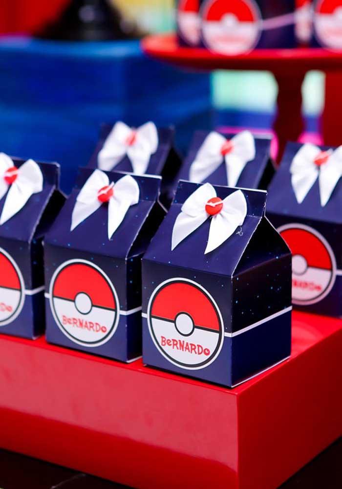 Caixinhas personalizadas são perfeitas para entregar como lembrancinha pokemon.