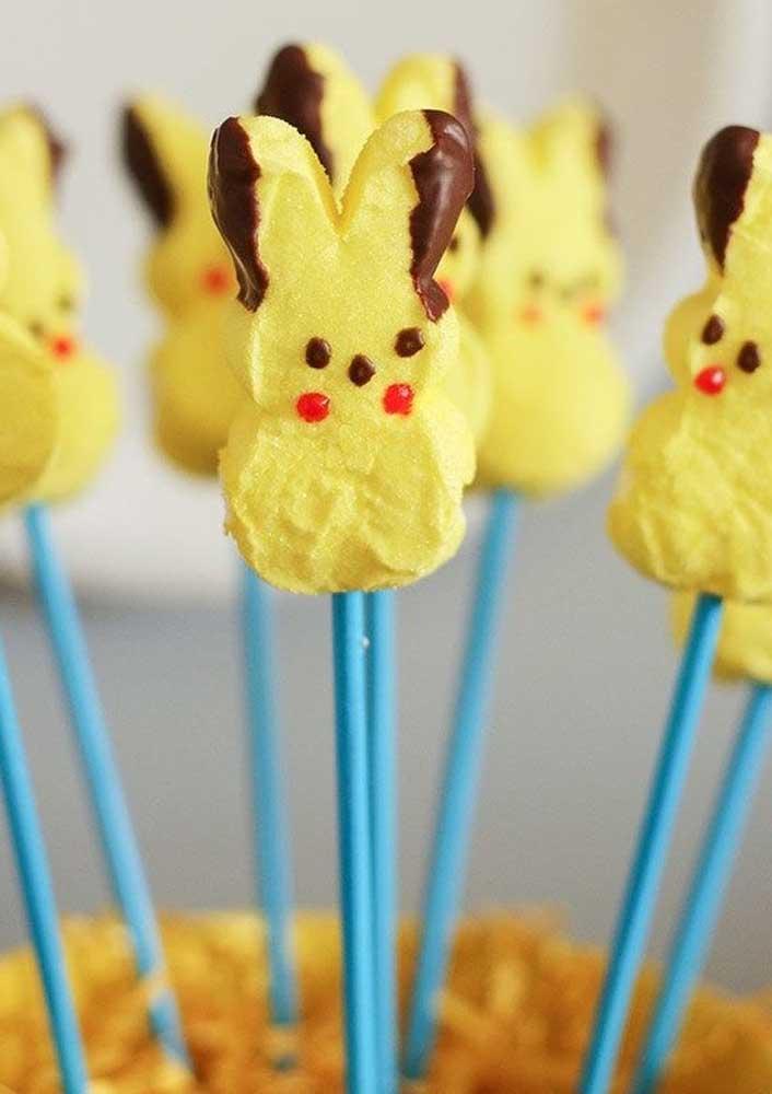 Biscoitos de palito ficam ainda mais saborosos no formato do pikachu.