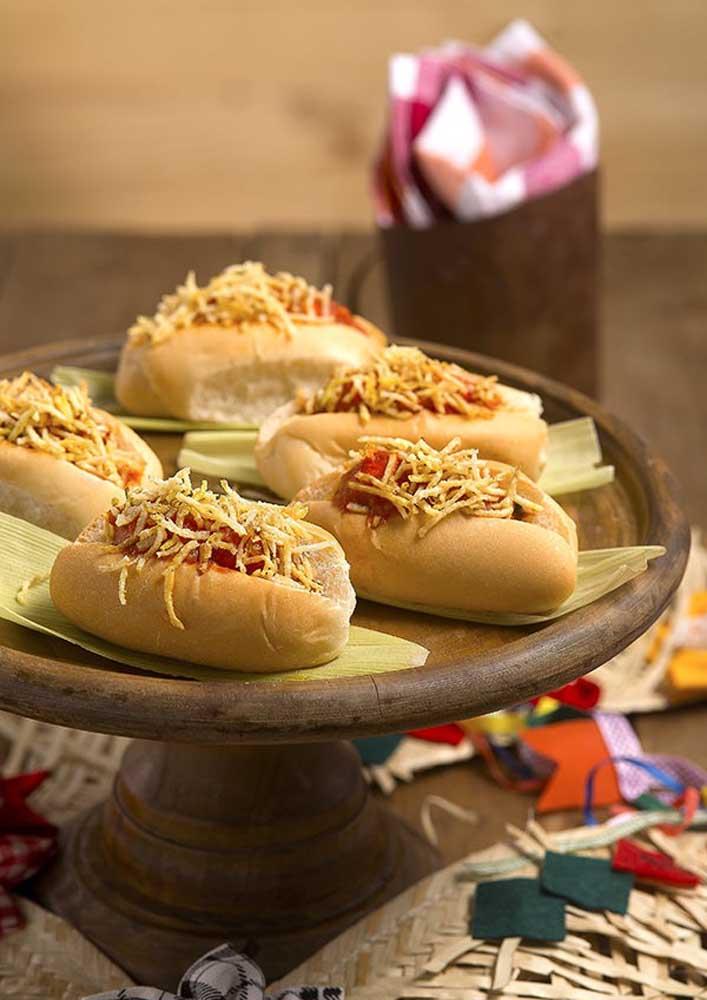 Saiba como fazer a festa do cachorro quente e escolha os melhores objetos de decoração.
