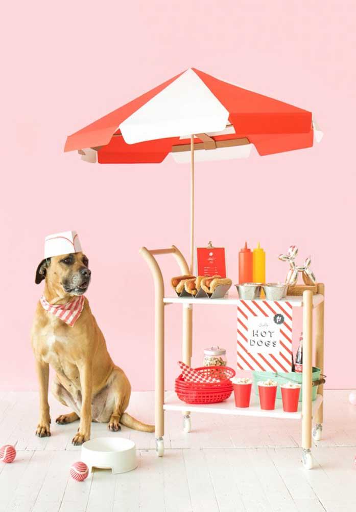 Aposte em uma decoração animada e engraçada para a noite do cachorro quente.