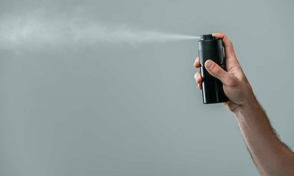 Como tirar mancha de desodorante