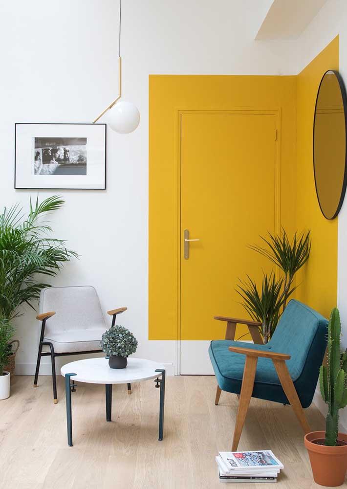 Quer valorizar uma parte especifica da sua sala? Pinte a área de amarelo