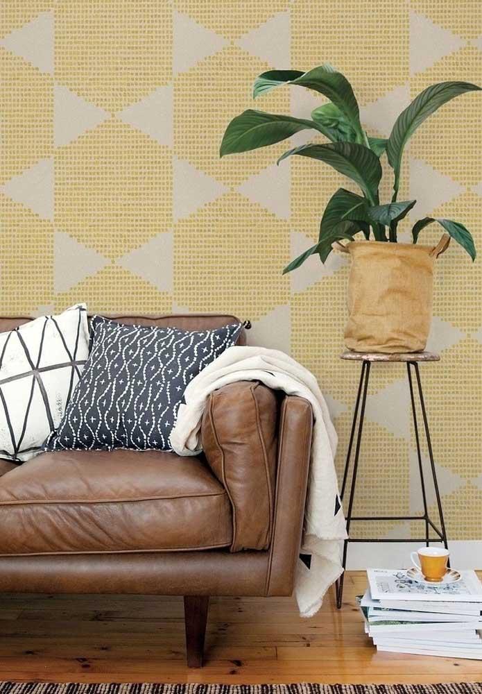Amarelo e marrom para uma sala moderna e despojada