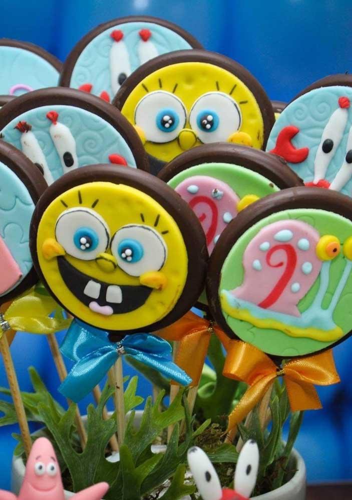 Pirulitos de chocolate decorados com os personagens do Bob Esponja. As crianças vão adorar!