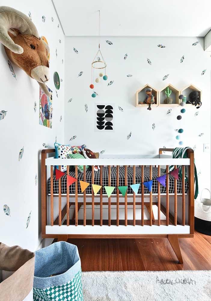 As bandeirolas estão em alta na decoração de quarto de bebê. Aproveite e faça você mesmo!