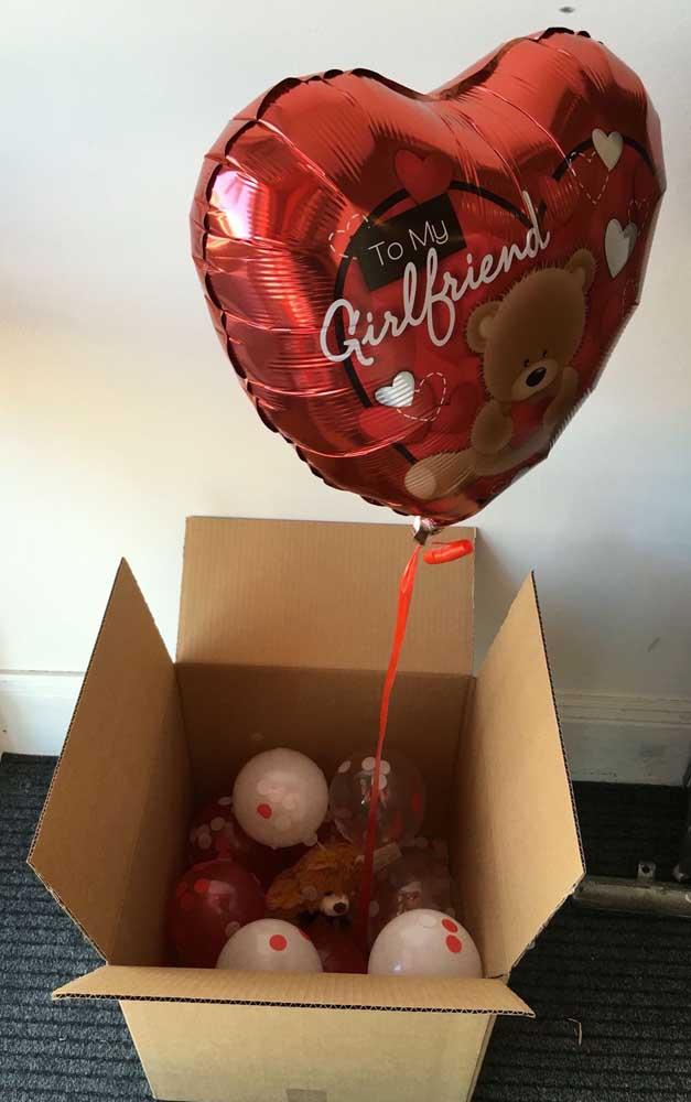 Caixa surpresa com balões e ursinhos