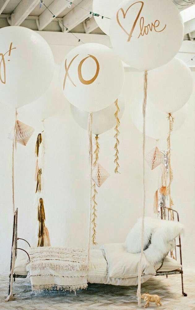 Para cada balão uma frase ou uma palavra de amor