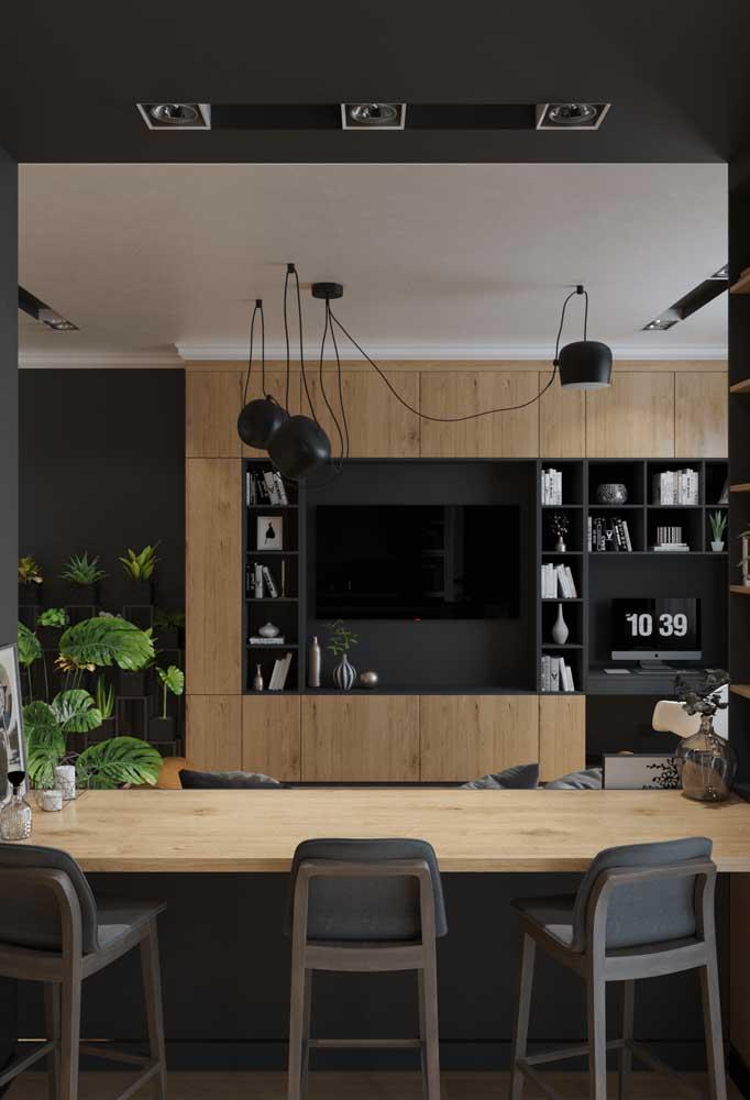 No lugar da bancada alta entra um outro tipo de integração (mesas baixas, painéis, portas deslizantes)