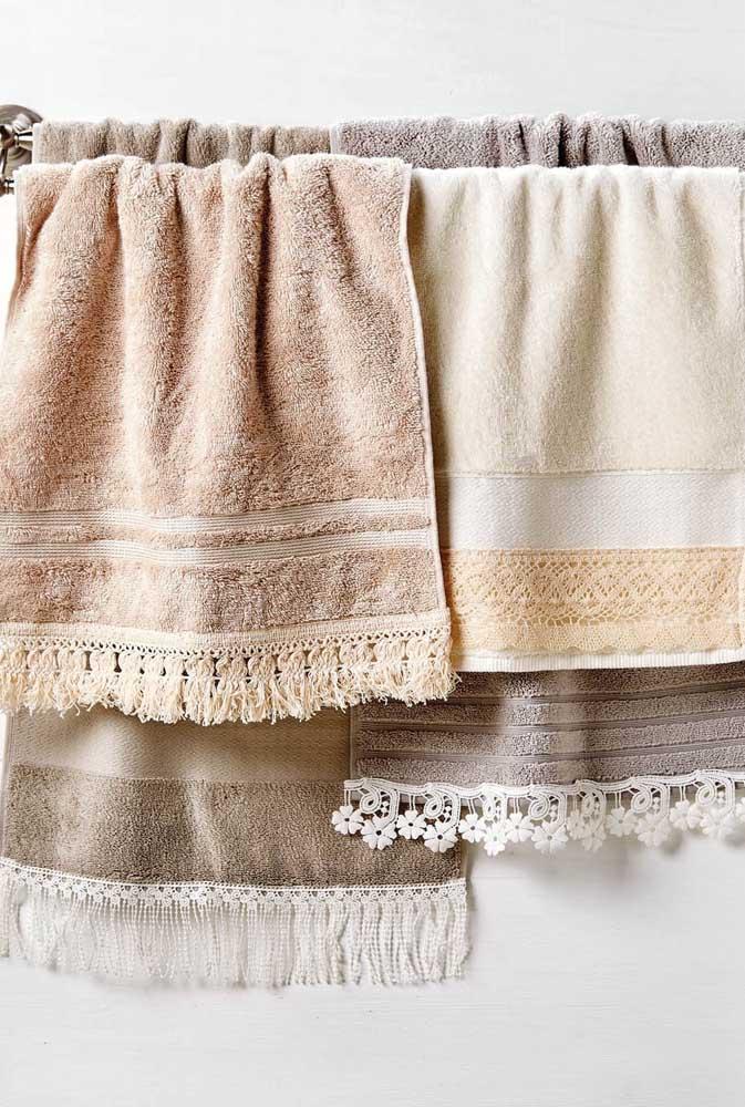 Faça você mesmo: aplique renda nas barras das suas toalhas