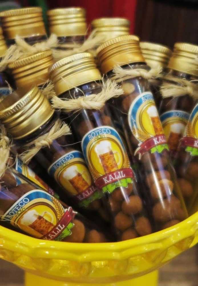 Potinho de lembrancinhas com porção de amendoim