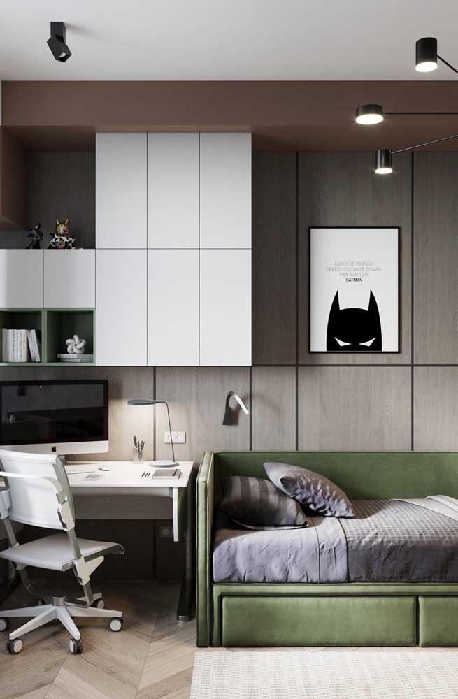 Resolva tudo em uma única parede: cama, escrivaninha e armários
