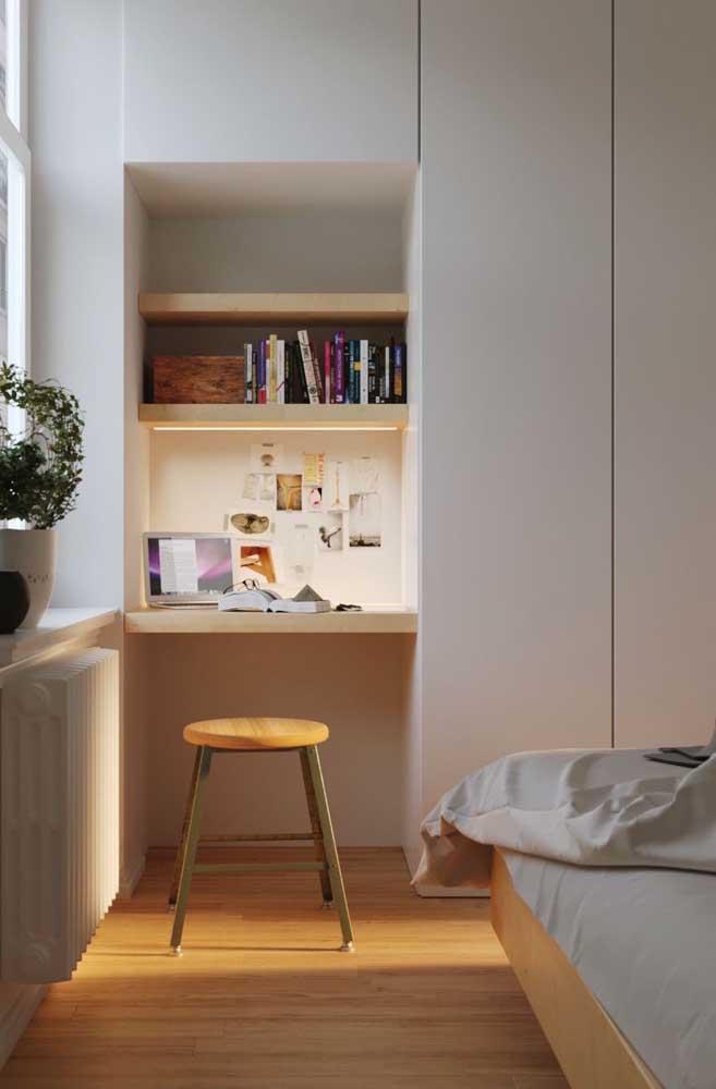 Vai planejar os móveis? Então deixe um cantinho do guarda roupa para fazer uma escrivaninha embutida