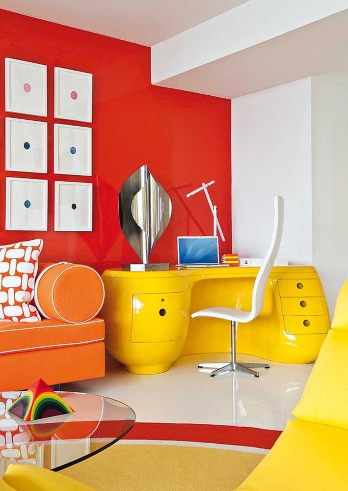 Lúdico e colorido: escritório perfeito para quem precisa de criatividade e inspiração