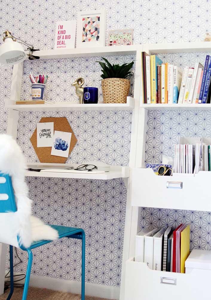 O papel de parede é uma forma barata e simples de decorar o seu escritório em casa