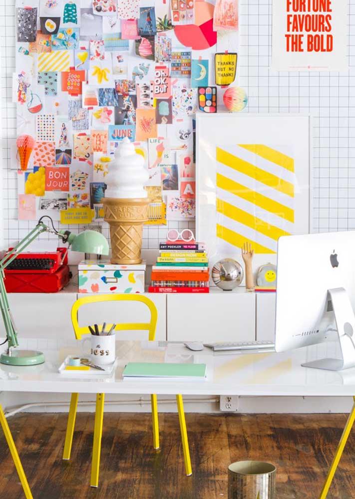 Quer uma inspiração lúdica e bem colorida para montar o seu escritório? Olha essa ideia aqui então!
