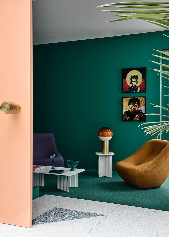 Sala verde azulada para uma decoração contemporânea e cheia de estilo