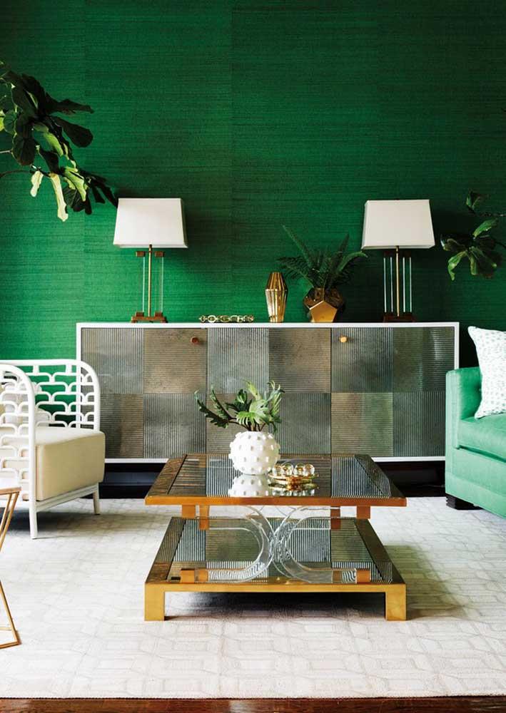 Sala verde esmeralda para tirar qualquer decoração da monotonia