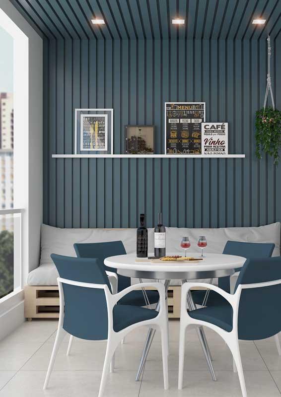 Sofá de pallet para varanda: sustentabilidade, conforto e design no mesmo projeto