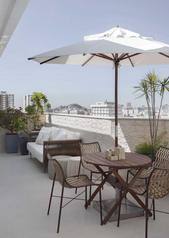 Sofá de fibra sintética para varanda pequena de apartamento