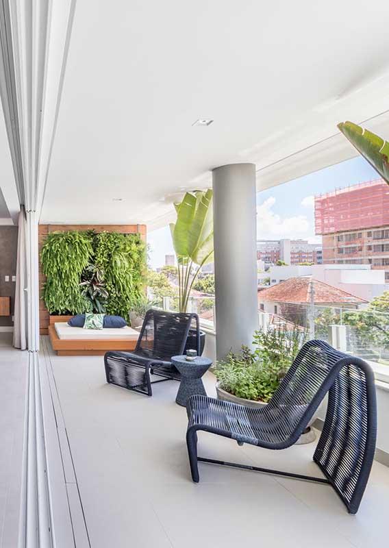Mais que um sofá para varanda, uma peça de arte e design