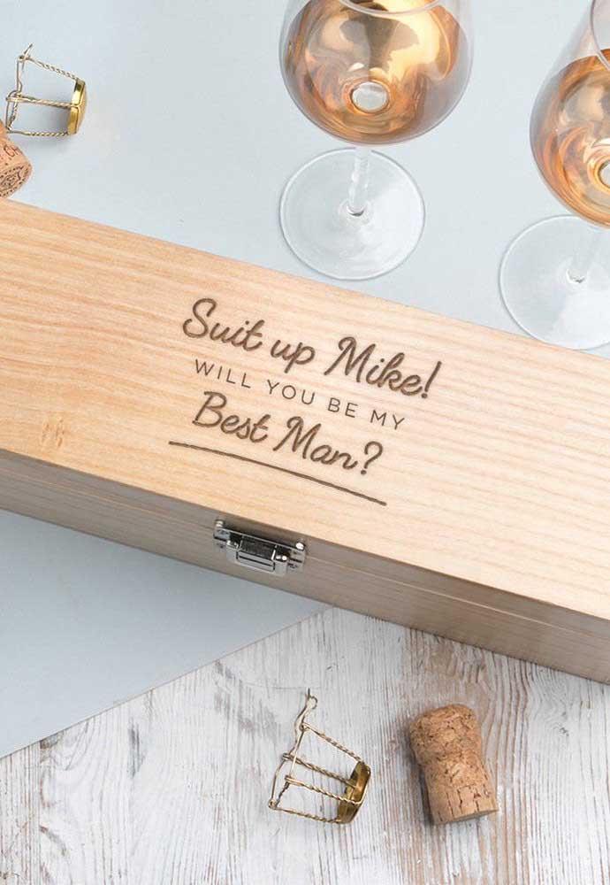 Uma caixa no tamanho perfeito de uma garrafa de vinho!