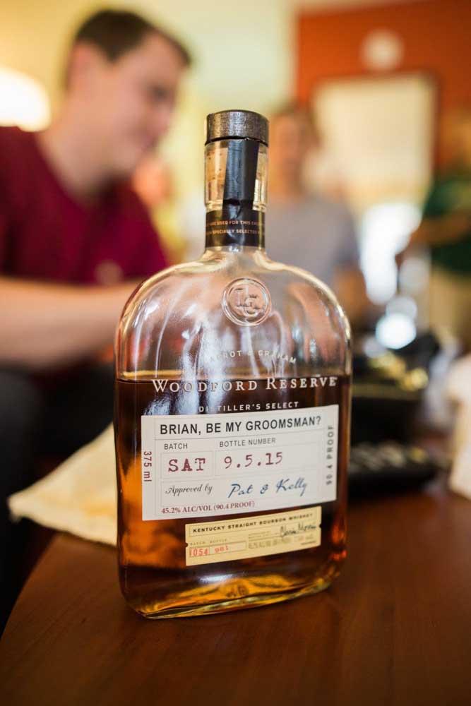 Nada como a garrafa de bebida preferida dos padrinhos para deixar todo mundo ainda mais feliz!