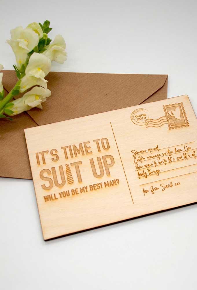 Convite para padrinho em estilo cartão postal. Perfeito para aqueles que moram longe