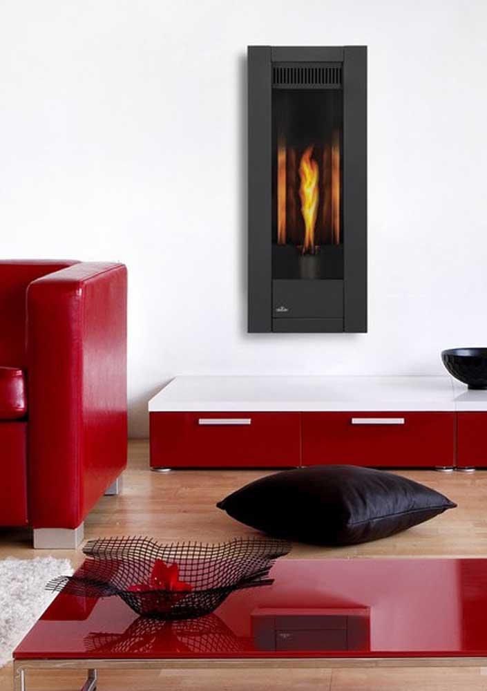 Vermelho nos móveis, branco nas paredes