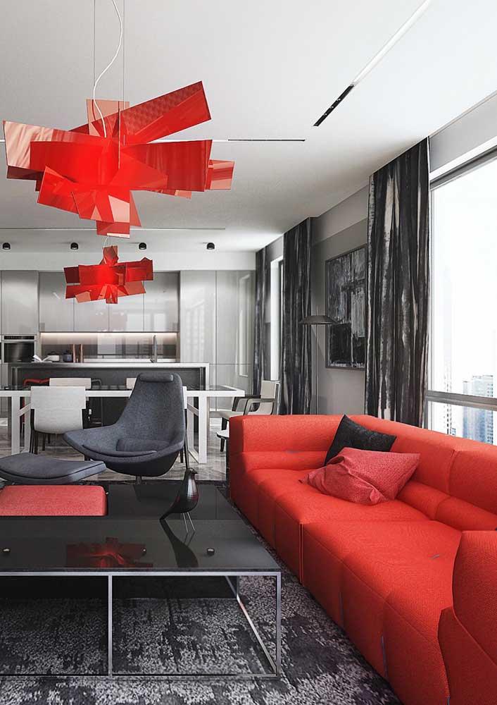 Sala vermelha e preta: projeto ousado, mas sem exageros