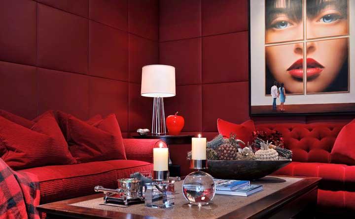 Sala vermelha: veja dicas para decorar a sua e fotos inspiradoras