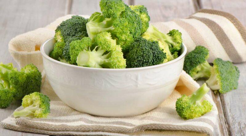Como cozinhar brócolis: diferentes maneiras e principais benefícios