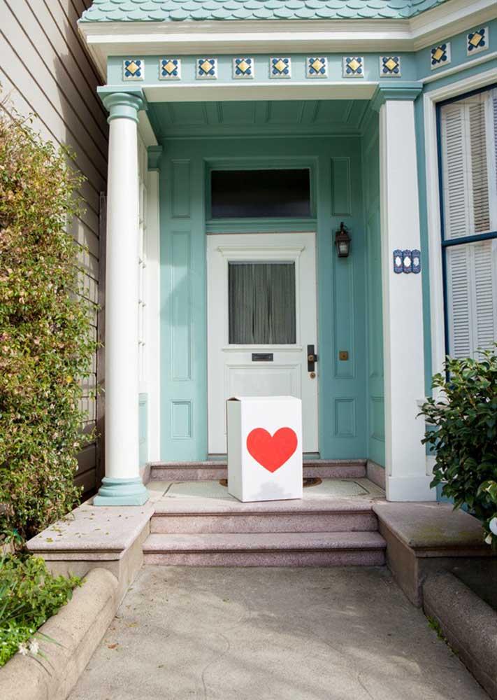 Uma caixa na porta pode revelar uma grande surpresa...