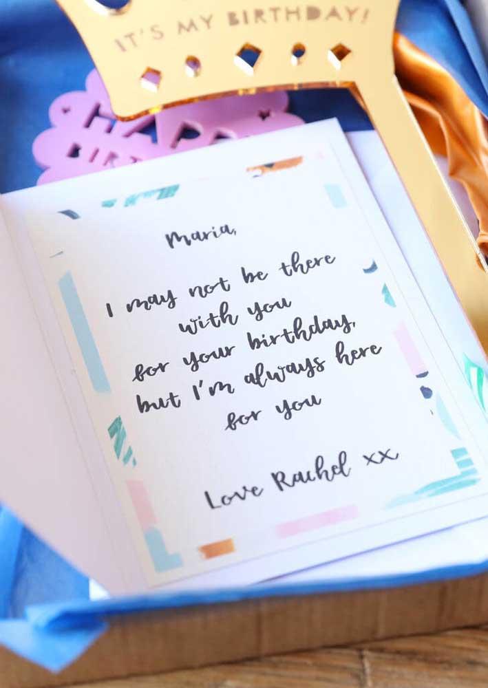 Quando você não puder estar presente no aniversário da sua amiga, mande uma caixa surpresa
