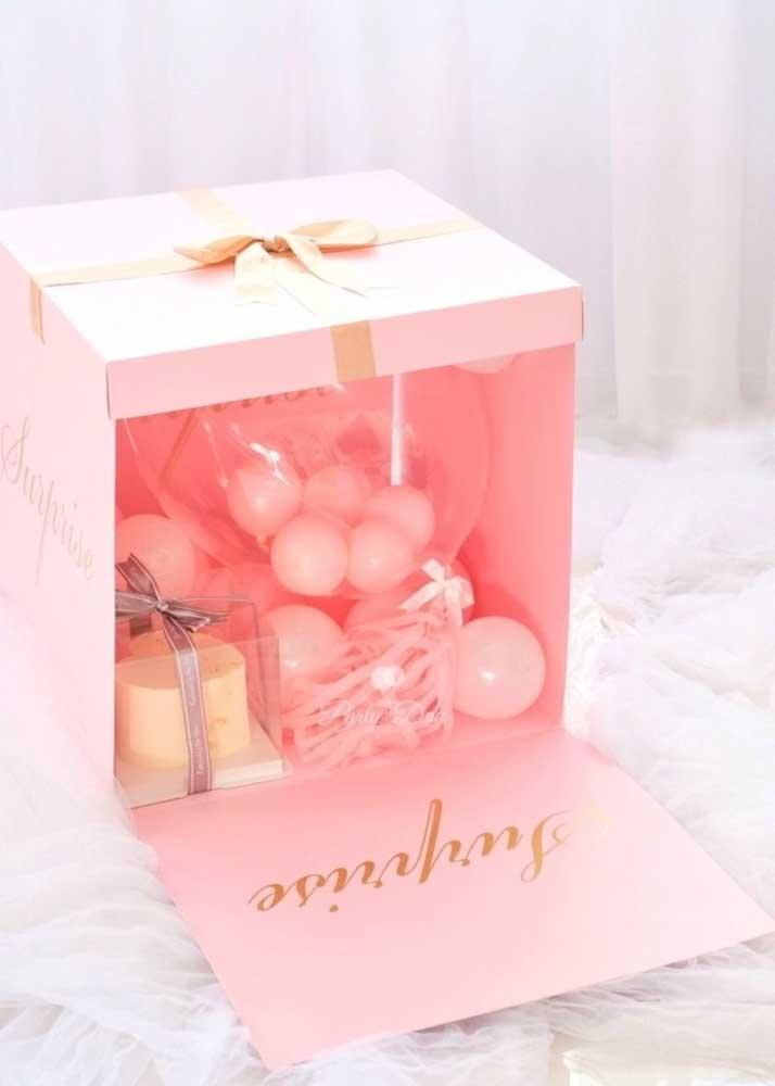 Que tal uma caixa surpresa com itens de banho?