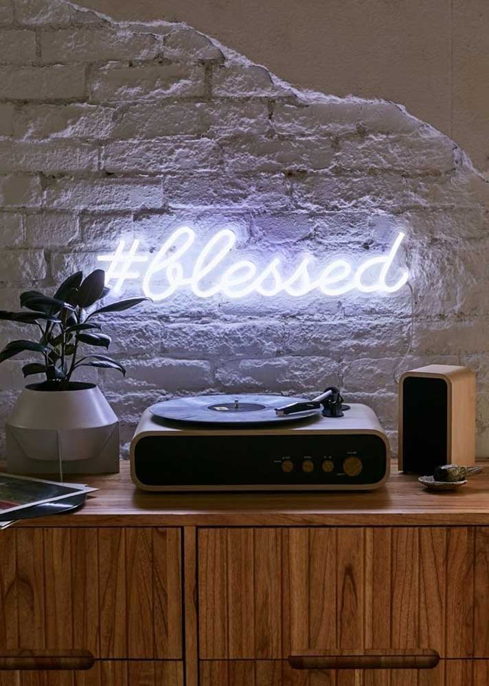 Letreiro neon para aquele seu cantinho especial da casa