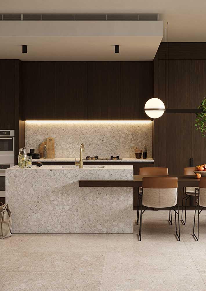 Bancada de granilite na cozinha. Projeto elegante e sofisticado